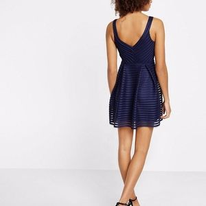 Express Dresses - Express Mesh V-neck Pleated Fit And Flare Dress